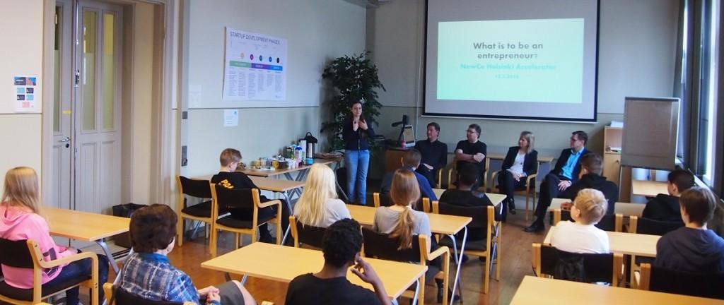 Start up -yrityspaneelikeskustelussa Mikko Armila, Amir Morris, Sari Kyökyvaara ja Tero Kulha.